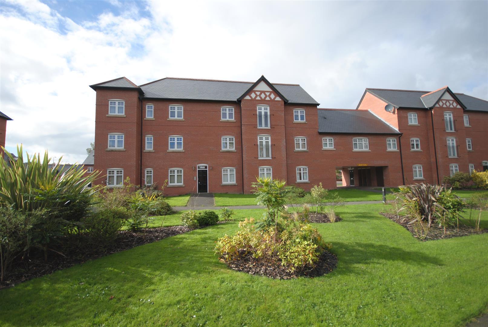 2 Bedrooms Flat for sale in Alden Close, Standish, Wigan